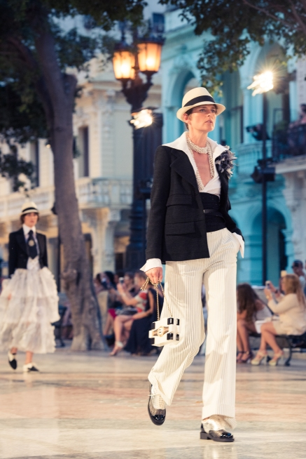 CHANEL_Cruise_Cuba_Show-45