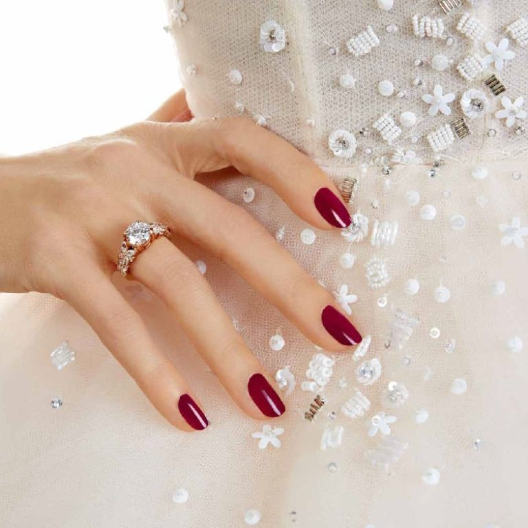 essie-berry-in-love_essie-bridal-2017-collection